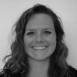 Clara Knaake, Analysekonsulent